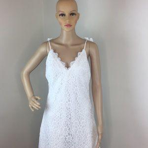 Foxiedox White Lace & Chiffon Wedding Dress